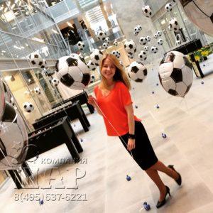 100 футбольных мячей с гелием для Adidaskidsday 2016