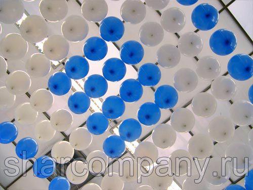 Шатер из шариков над стендом