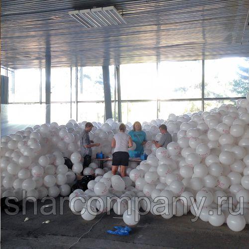 Раздача 200.000 воздушных шаров