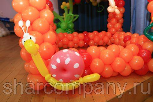 фигурки из шаров для оформления школы