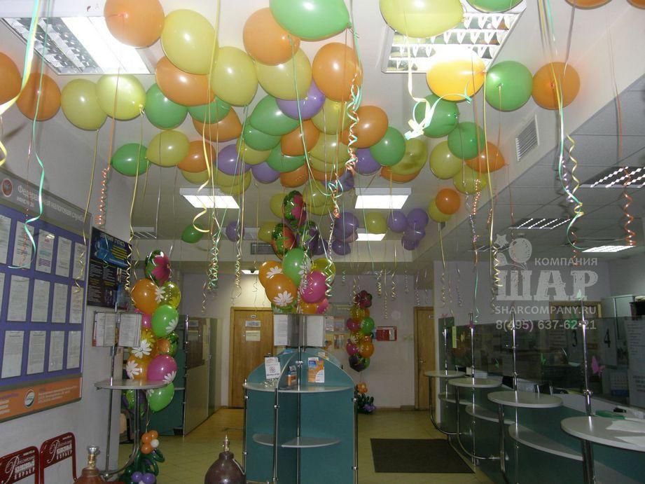 Украшение офиса к 8 марта шарами