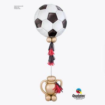 Фигура из шаров «Триумф футболиста»