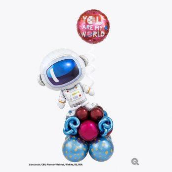 Композиция из шаров «Влюбленный космонавт»
